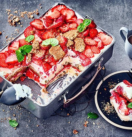 Ein Traum aus Erdbeeren, Rhabarber und Keks